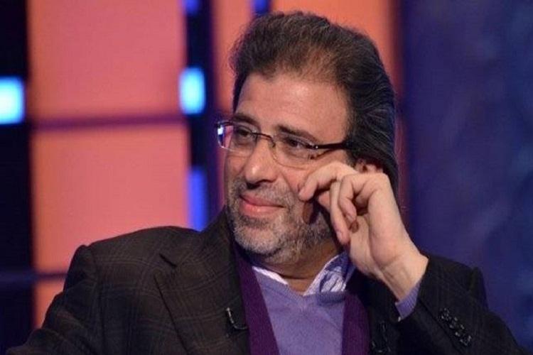 خالد يوسف يعود لتشييع جثمان شقيقه بعد عامين من هروبه
